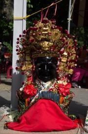Taiwan 2012 - Taipei - Lin-Namens-Fest - Statue III