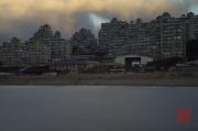 Taiwan 2012 - Taipei - Baishawan - Hochhaus & Strand