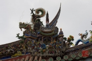 Taiwan 2012 - Taipei - Dalongdong Baoan Tempel - Dach - Figuren