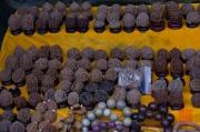 Xian 2013 - Moslem Quarter - Walnuts