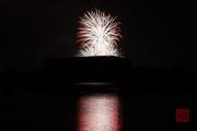 Nuremberg Spring Fireworks - White & Red